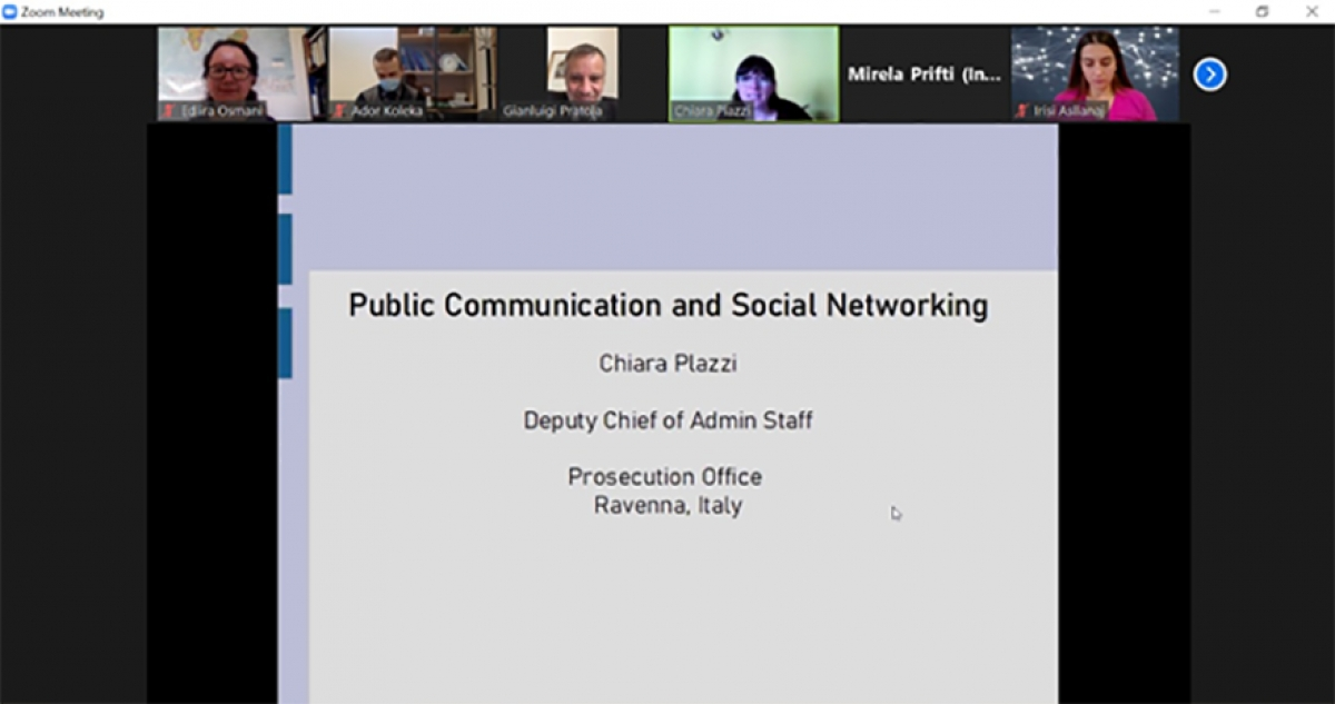 Training on Public Communication and Social Networking